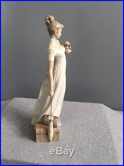 Rare Lladro Figurine #6753 Traveling Companion Tall Lady With Dog Umbrella Retired