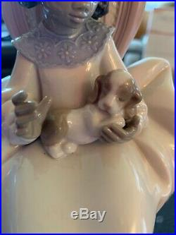 Retired Lladro Figurine Just a Little More Girl with Dog #5908 1991-1997