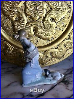 Signed Lladro Girl With A Dog Porcelain Figurine Hand Made In Spain