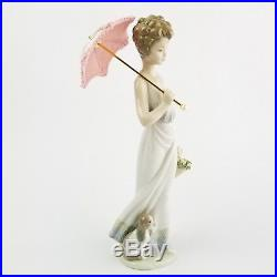 Signed Lladro Porcelain Figurine #7617 Garden Classic Woman and Dog with Box