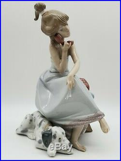VINTAGE ESTATE LLADRO #5466 CHIT CHAT GIRL ON PHONE With DOG PORCELAIN FIGURINE