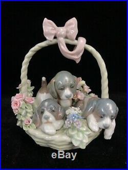 VTG LLADRO #1441 A LITTER OF LOVE Porcelain FIGURINE Puppy Dogs in Basket Spain