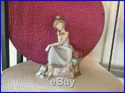 VTG LLADRO Spain CHIT CHAT Girl on Phone with Dog 5466 Porcelain Figurine