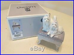 Vintage Adorable LLADRO 6688 DOGS LOOKING PRETTY Mint w Box & Papers