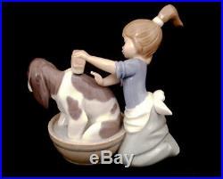 Vintage Lladro Figurine Dog in Wash Tub Bashful Bather 1987 Model #5455