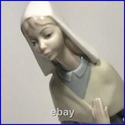 Vintage Lladro Figurine Girl With Dog & Bread Basket Excellent Condition