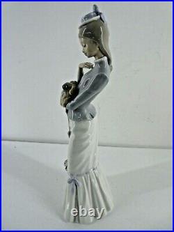 Vintage Lladro Lady Holding Pekinese Dog 37 cm (B14)