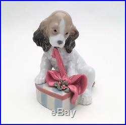 Vintage Lladro Porcelain Dog Figurine 8692 Can't Wait, Christmas Edition with Box