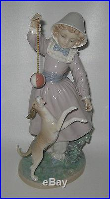 Vintage Lladro Porcelain Figurine #5078 Girl Dog & Ball Retired 10.5 Tall HX28