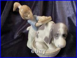 Vintage Lladro Porcelain Figurine A Girl Bathing Her Dog Spain Size 12x14 cm