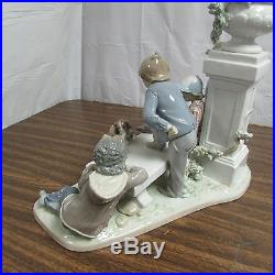 Vintage Lladro Puppy Dog Tails #5539 Collectible Figurine Look